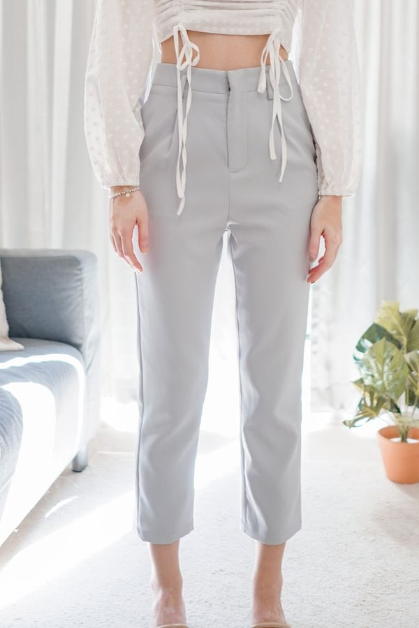 Hallie Slim Fit Tapered Pants in Lilac Grey