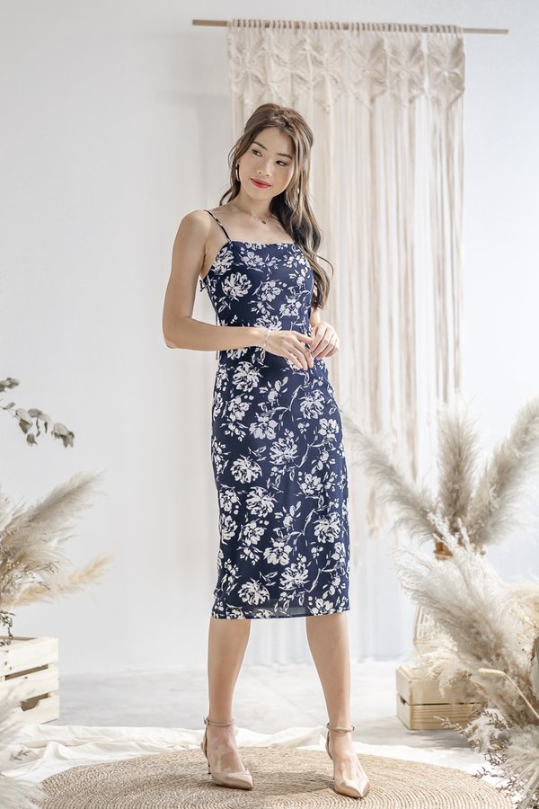 Rylee Floral Print Dress in Navy